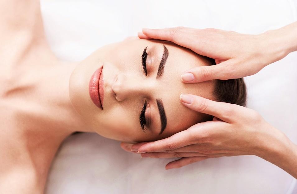 lifting visage: naturel et sans chirurgie